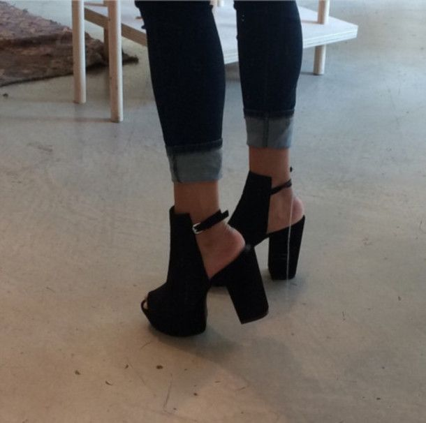 I want these to wear with my baggy high waisted pants.  Skinny jeans work also!  For everyday... I love wearing heels!