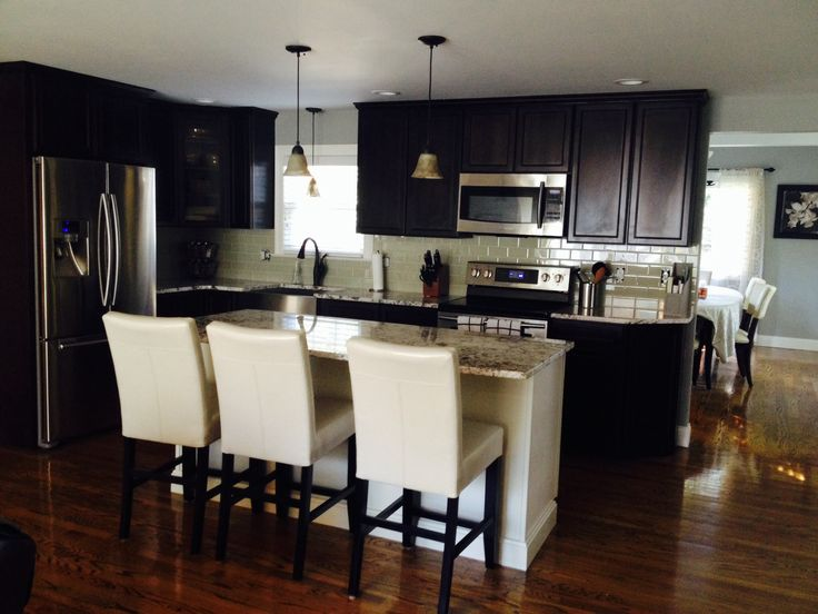dark cabinets white island glass tile backsplash delicatus white granite benjamin moore grey horse for the home pinterest colors benjamin moore