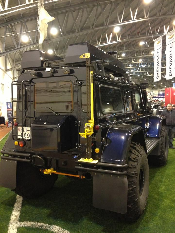Beast on Wheels. Land Rover Defender 110, modified the Icelandic way