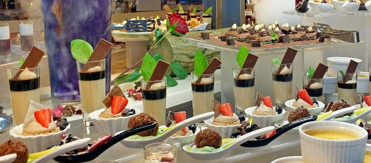 Symposium Restaurant - enjoy a first class meal with a rich variety of buffet options and unique cooking show dishes