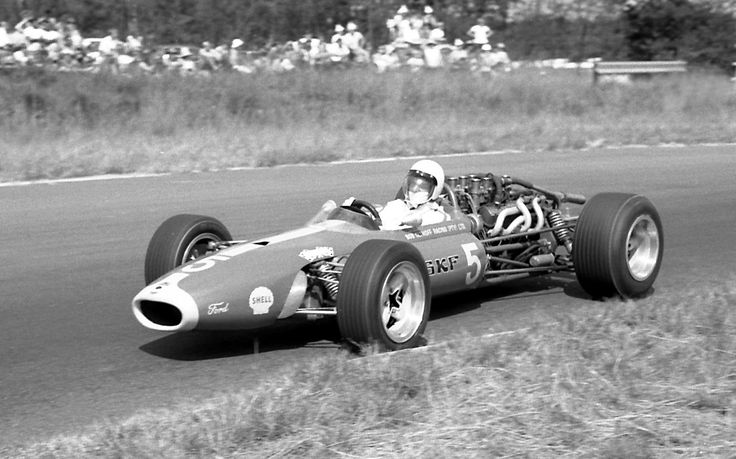 Roy Hesketh Circuit - Bobby Olthoff in his March-Ford M3A in April 1968. It was built out of parts from his McLaren sports car and a crashed M3A from the UK.