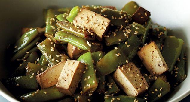 Judías verdes salteadas con tofu y salsa yakitori