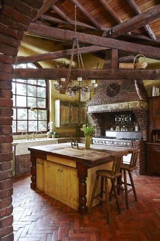 Tuscan Farmhouse #Home #Tuscan #Design - Find more Ideas on www.IrvineHomeBlog.com/HomeDecor  Irvine, California - Christina Khandan ༺༺ ℭƘ ༻༻