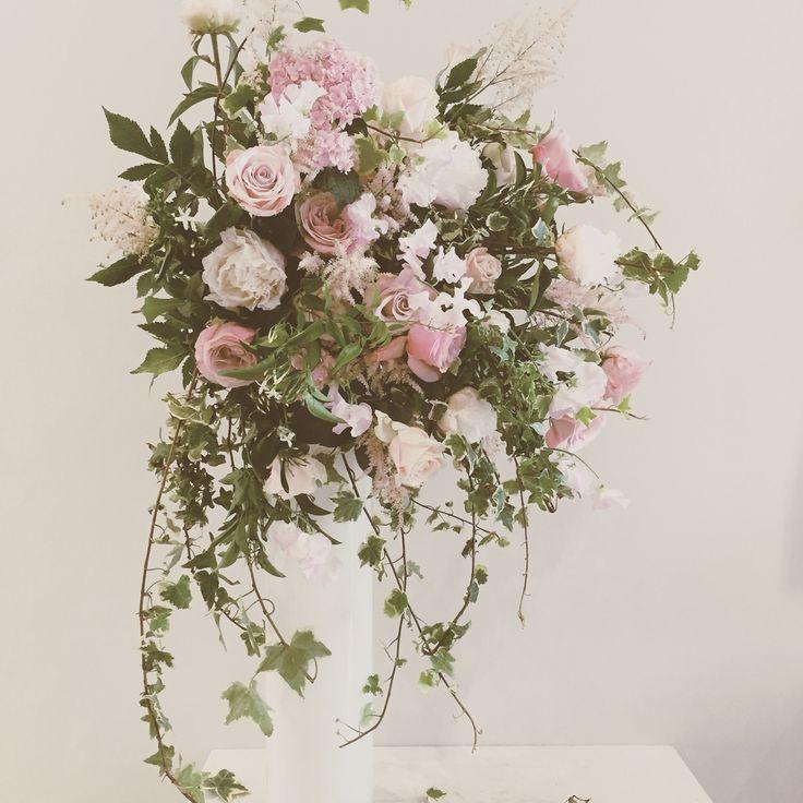 Flower centrepiece.  Catherine Muller Flower School in London and Paris