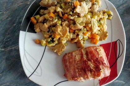 Lachs von Bacon umrollt, mit pikanter Gemüsepfanne und Feta-Käse (Rezept mit Bild)   Chefkoch.de