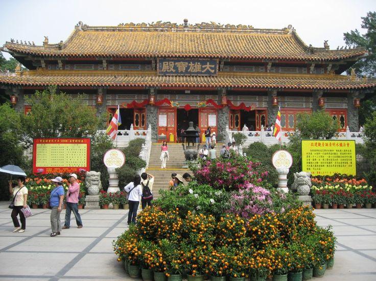 Lavish Po Lin Monastery Features the Big Buddha Statue : Po Lin Monastery