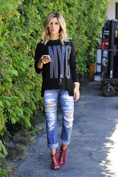 Snag The Flirty Top Karlie Kloss Wore To Taylor Swift's ...