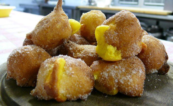 A Carnevale ogni dolcetto vale fritto è meglio###Per questa festa siamo autorizzati a fare il pieno di dolci fritti di ogni tipo.