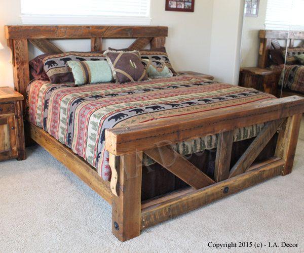 Caballete madera grande armazón de la cama  Reina $2250 Rey $2475  Este diseño de marco de la enorme cama está inspirado de caballetes de puente. Se hace de Barnwood reclamado de North Idaho y madera resistida. Estas vigas grandes de 6 x 6 son bastante difíciles de conseguir, por lo que habrá un número limitado de estas camas están hechas por nosotros. Muy robusto y bien poner junto.  Opción: Esta cama también puede ser hecha de 4 x 6 nuevo madera resistida bruja le da un tono similar. Reina…