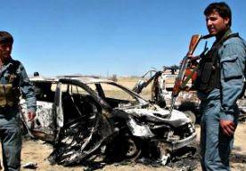 30-Apr-2014 11:43 - AFGHANEN DODEN 60 TERRORISTEN. Afghaanse troepen die vanuit de lucht gesteund werden door de NAVO hebben aan de grens met Pakistan tientallen terroristen van het Haqqani-netwerk gedood. Volgens leden van de Afghaanse inlichtingendienst zijn zeker 60 terroristen gedood. De NAVO weigert een reactie te geven op de operatie. Amerikaanse functionarissen in Washington zeggen dat de VS voor het vertrek van de troepen aan het eind van het jaar de terreurbeweging een zware...
