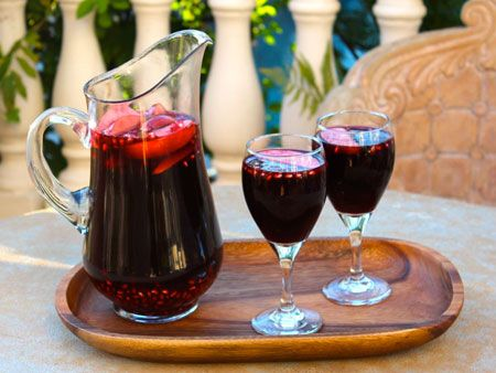Rosh Hashanah Sangria - Shiksa in the Kitchen, recipe with pomegranate, honey, apple, grapes, all the great symbols.