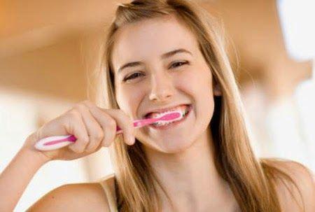 Tips Menjaga Kesehatan Gigi & Cegah Bau Mulut