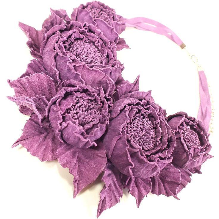 Купить Танец Роз. Фиолетовый. Колье из натуральной кожи в интернет магазине на Ярмарке Мастеров
