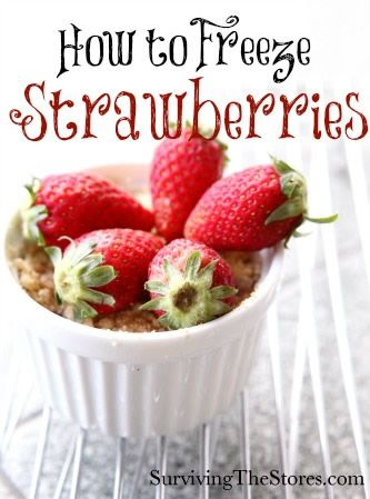 Enjoy those yummy strawberries all year long by freezing them!  Here's the best way to keep them in perfect condition!