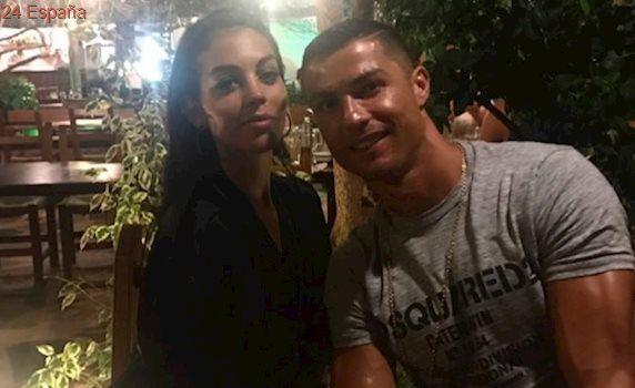 Cristiano Ronaldo confirma el embarazo de su novia Georgina