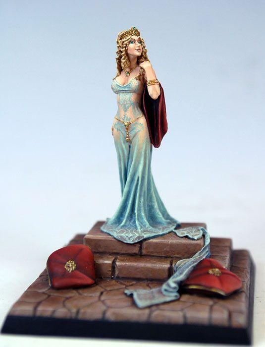 Cersei Lannister - Miniature Lines
