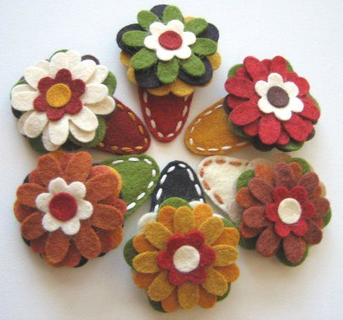 Handmade felt hair clips from.... www.curlyvalentine.com