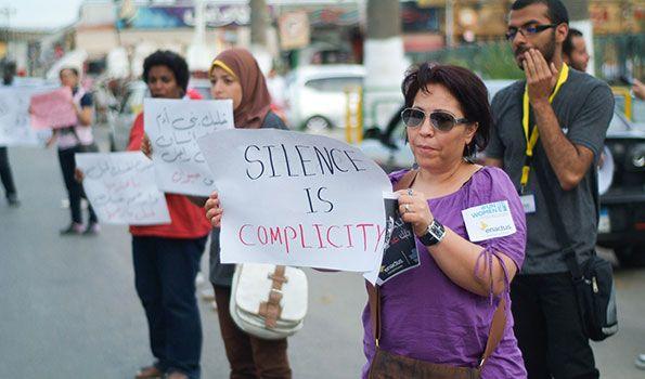 Αίγυπτος: Συντονισμένες εκστρατείες κατά της βίας εναντίον των γυναικών  Πηγή http://socialpolicy.gr/2013/11/%ce%b1%ce%af%ce%b3%cf%85%cf%80%cf%84%ce%bf%cf%82-%cf%83%cf%85%ce%bd%cf%84%ce%bf%ce%bd%ce%b9%cf%83%ce%bc%ce%ad%ce%bd%ce%b5%cf%82-%ce%b5%ce%ba%cf%83%cf%84%cf%81%ce%b1%cf%84%ce%b5%ce%af%ce%b5%cf%82.html