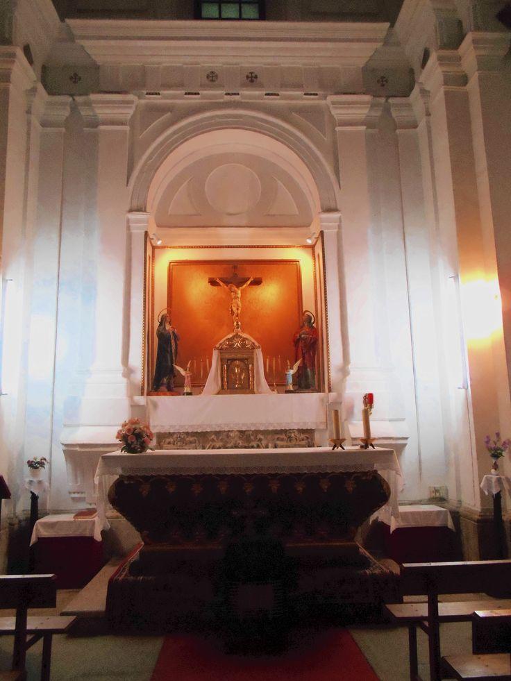 Huerta de Valdecarábanos. Altar Mayor en la Capilla del Doctor Rincón. Iglesia de San Nicolás de Bari.