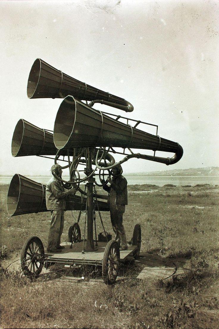 File:Ear trumpet WWI.jpg