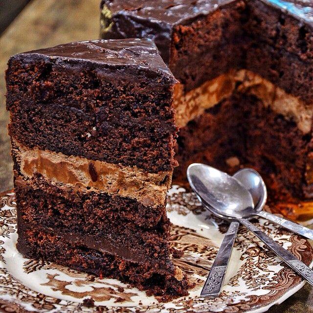 Fudge Caroll σημαίνει πολλή πολλή σοκολάτα.