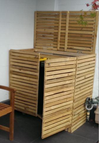 Step by step DIY Garbage / Trash Bin Screen. Hide the rubbish bin, trash can or wheelie bin. Step by step instructions on how to build it yourself! http://www.hardwarebox.com.au/diy-projects/diy-rubbish-bin-screen/