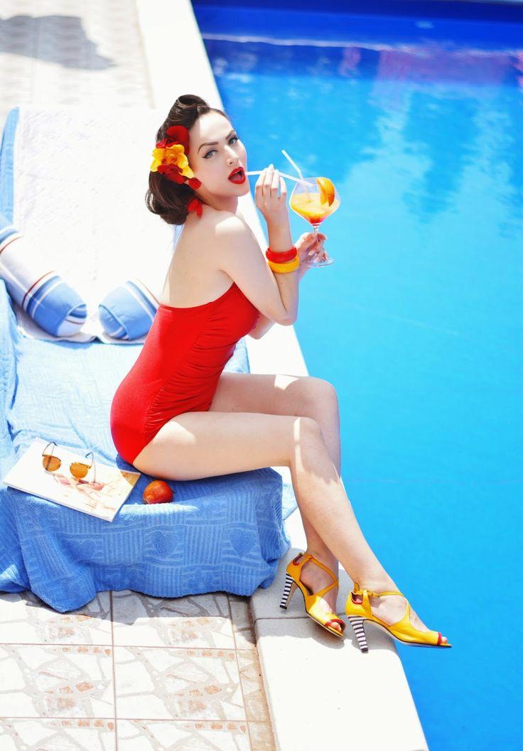 Idda van Munster - Metaphysika for Milenika Shoes Part II: Summer City