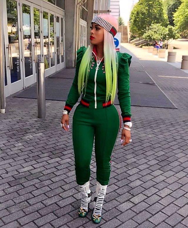 a5841551cda7ea THE REAL HEADLINER! KEYSHIA KAOIR   ROCKS THE GUCCI  gucci CRYSTAL HEADBAND  THATS PERFECT FOR THE SEASON  blogger  headband  celebrity  designer   runway ...