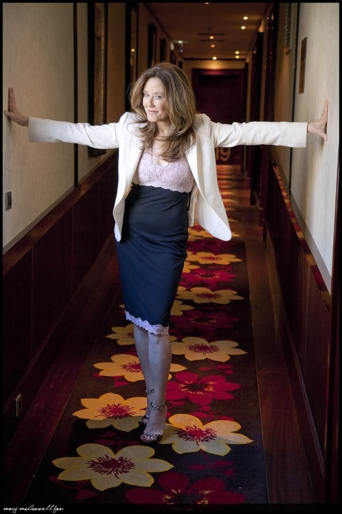 Mary McDonnell   Mary McDonnell in 2019   Mary mcdonnell ...