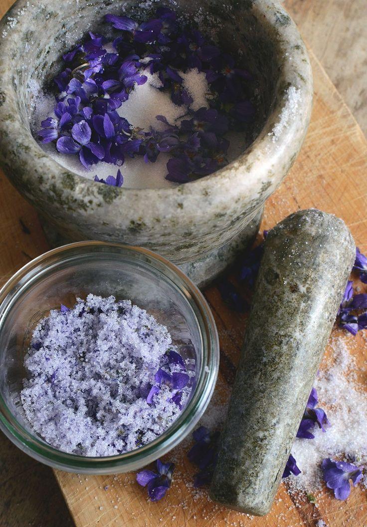 Violsocker - en söt smak av våren! smaksatt socker, flavored sugar, violet sugar, diy, pyssel _ @helenalyth