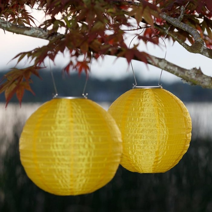 $20  outdoor solar lanterns   brookstone.com