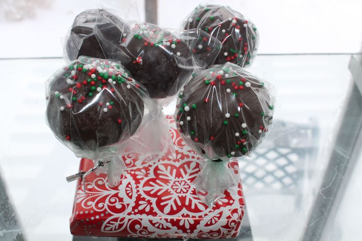 Cannabis Chocolate Pot Cake Pops. Extremely fun to make, and they are potent! #cannabis #potcakepop #edibles