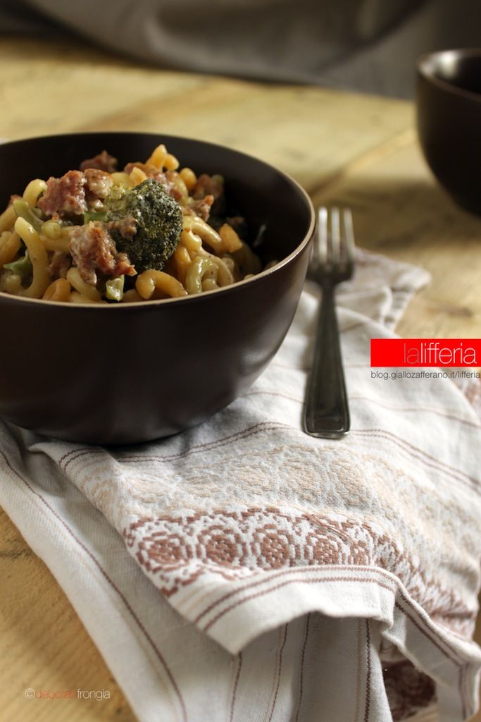 Gramigna con broccoli e salsiccia