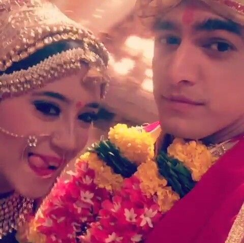 & when my cutie #dulhan is happy @khan_mohsinkhan @shivangijoshi18