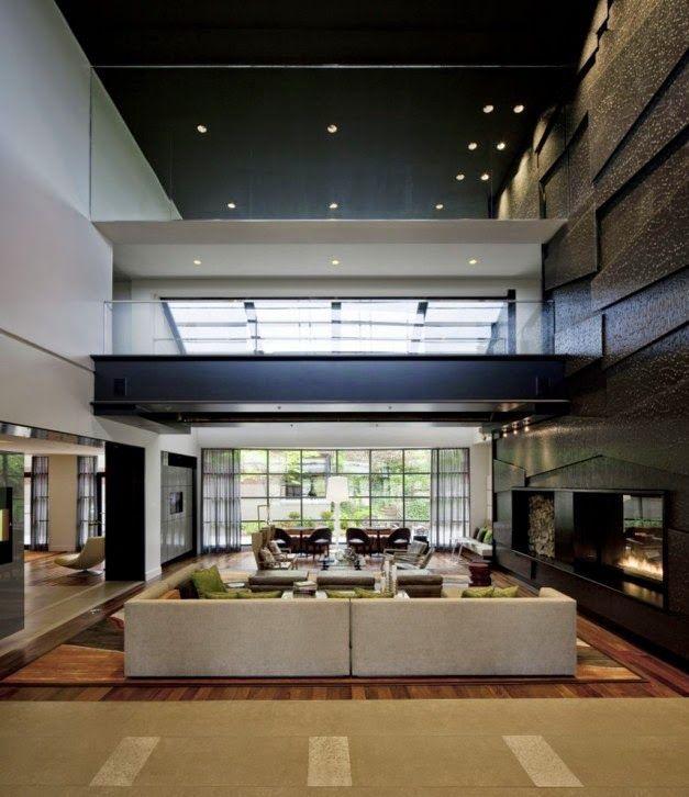 desain ruang tamu mewah dengan atap tinggi desain rumah