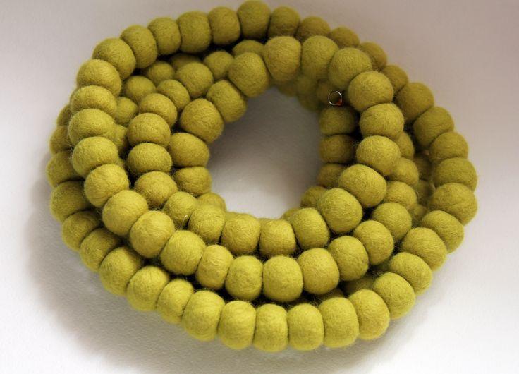 la sciarpa-collana verde