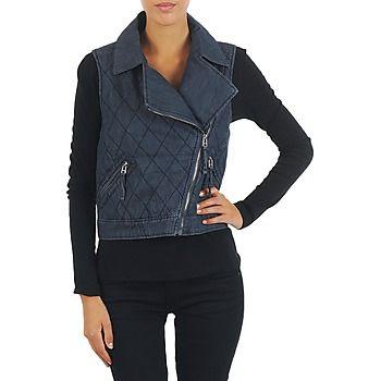 Añade esta cazadora vaquera de Mustang a tu dressing ¡y asegúrate un toque de estilo! Confeccionada en algodón (100%) , sabrá convencerte. Gracias a su estilo vintage, con esta prenda lograrás un estilo muy tendencia. #chaquetas #moda #spartoo #zapatos #mujer #denim #cazadora  http://www.spartoo.es/Mustang-WOOL-PADDED-DENIM-VEST-x212712.php