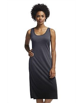 The Icebreaker Tech Lite Tank Dress Dusk has a stunning gradient effect, lighter at the top and darker at the bottom, like a dip-dye. This Icebreaker dress is made from Icebreakers 150gm jersey merino fabric so it feels great in any temperature. Buy Now: http://www.outsidesports.co.nz/Icebreaker/Womens_Icebreaker/Skirts_and_Dresses/IB102153/Icebreaker-Tech-Lite-Tank-Dress-Dusk.html#.Vgi3avmqpBc