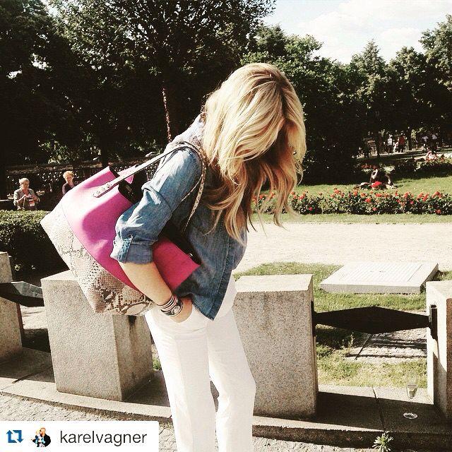 #SIMONAKRANOVA best photoshoot ever - #LUSHA #2015 #campaign #shoppingbag #purple #python #style #styling #acceasories #fashion #outfit @branislavsimoncik @simonakrainova @filipvanek @tylmarty @petrmihle @lushaflorence