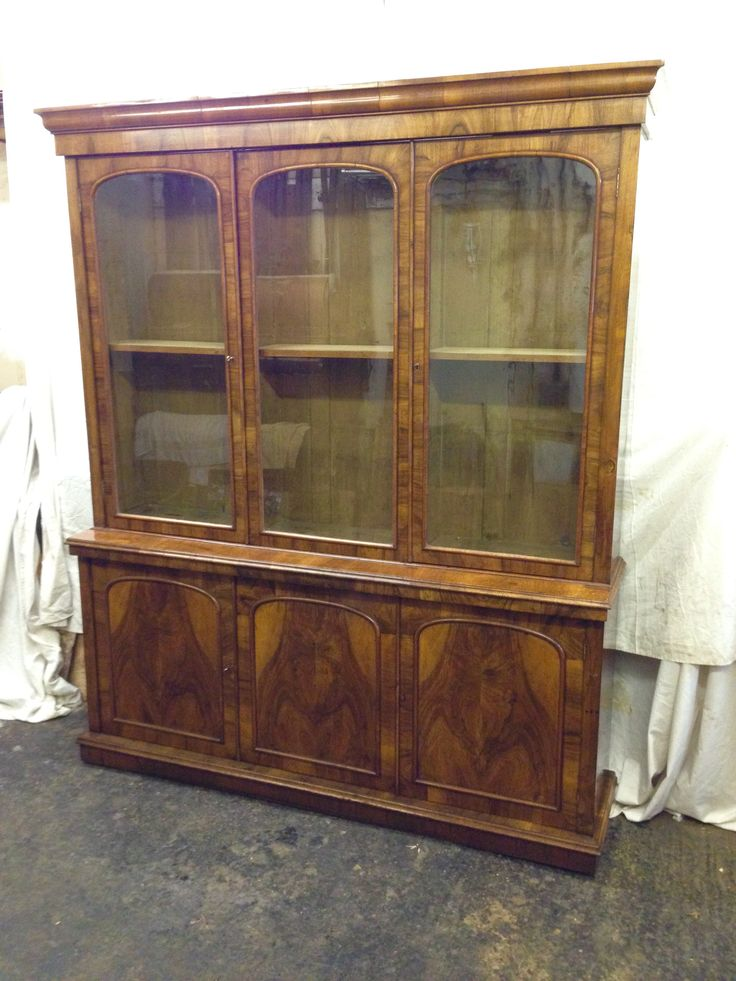 Early victorian walnut bookcase