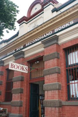 book-211.JPG (267×400) Book Now Bendigo
