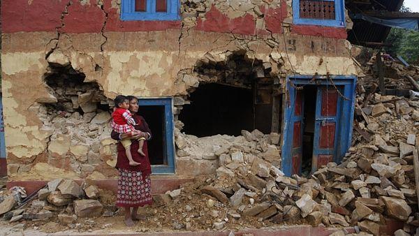 Následky zemětřesení v nepálském Patanu