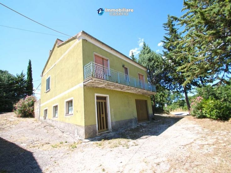 http://immobiliarecaserio.com/House_with_cottage_and_barn_for_sale_in_Italy_Molise_Trivento_2165.html