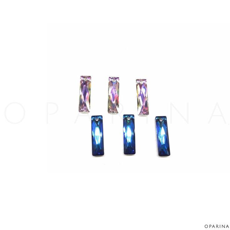 #6465 Swarovski Elements Crystal Queen Baguette Pendant 38mm x 10mm en Color Bermuda Blue y Crystal Paradise Shine. #swarovski #oparina #SwarovskiElements #DIY  #madewithstudio