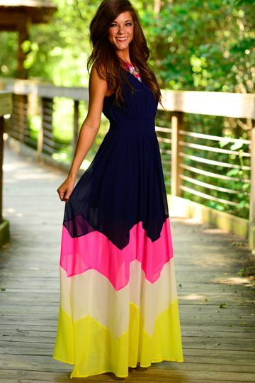 Hello chevron! This maxi is so glamorous! The rich navy with the pop of colors at the bottom look so elegant!