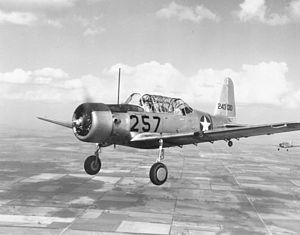 El Vultee BT-13 Valiant era un americano de la Segunda Guerra Mundial -era básica aviones de entrenamiento construido por Vultee Aircraft para el Cuerpo Aéreo del Ejército de los Estados Unidos , y más tarde las Fuerzas Aéreas del Ejército de los Estados Unido