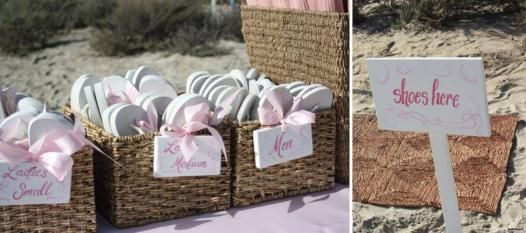 Cercate uno spunto originale? Infradito per gli invitati al #matrimonio in spiaggia