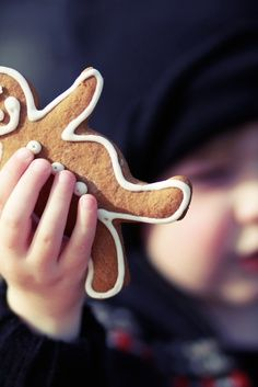 Gingerbread men are a must! Jacks and I just have to make these this holiday season. How fun?!