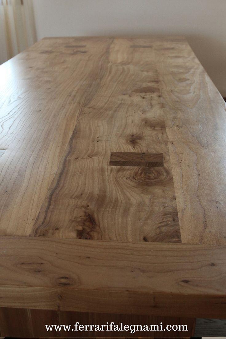 Tavolo costruito in legno massello di olmo. Misure: 220x100 cm; h 78 cm; spessore piano 6 cm #solid #wood