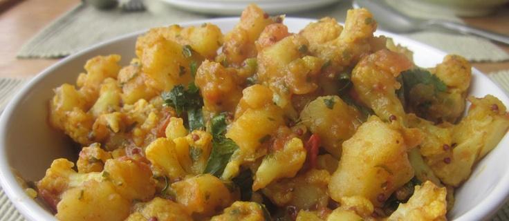 Aloo gobhi - blomkål- og potetcurry